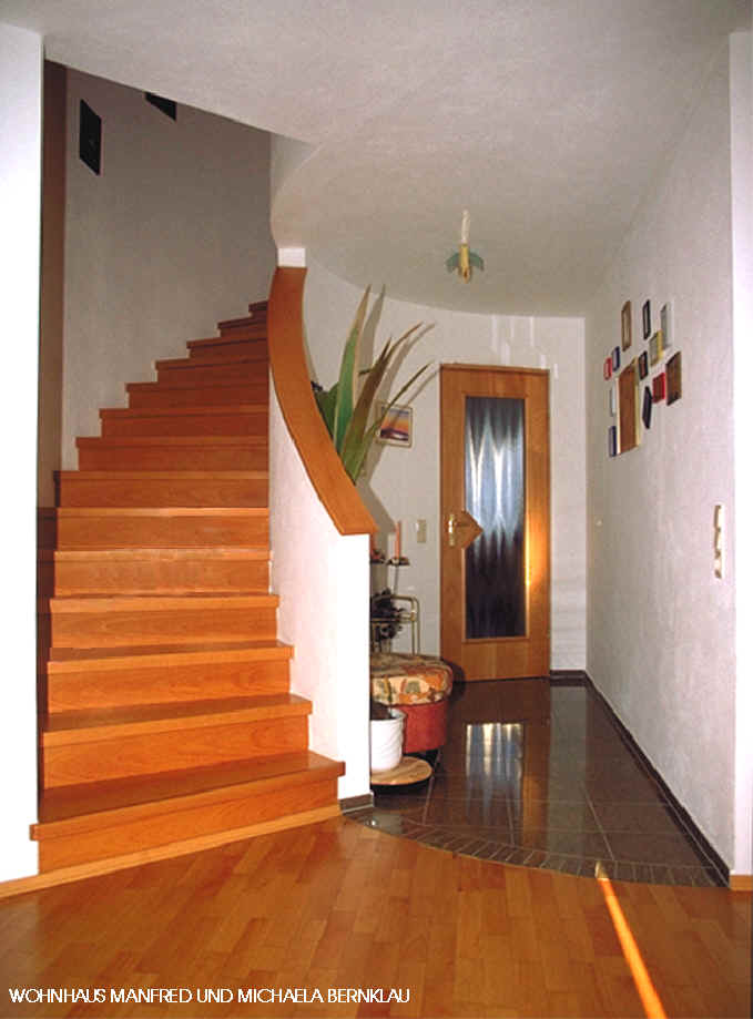 Immobilien Offene Treppe Wohnzimmer : Mb treppe